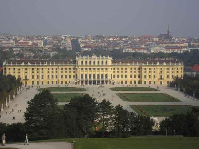 Дворец Шенбрунн (Schönbrunn)