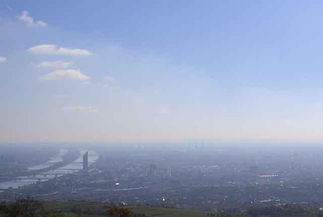 Вид на Вену с холма Kahlenberg